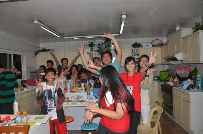 Pinoy Archies and friends dancing to David Archie songs and some *cough* *cough* 1D songs as well, LOL